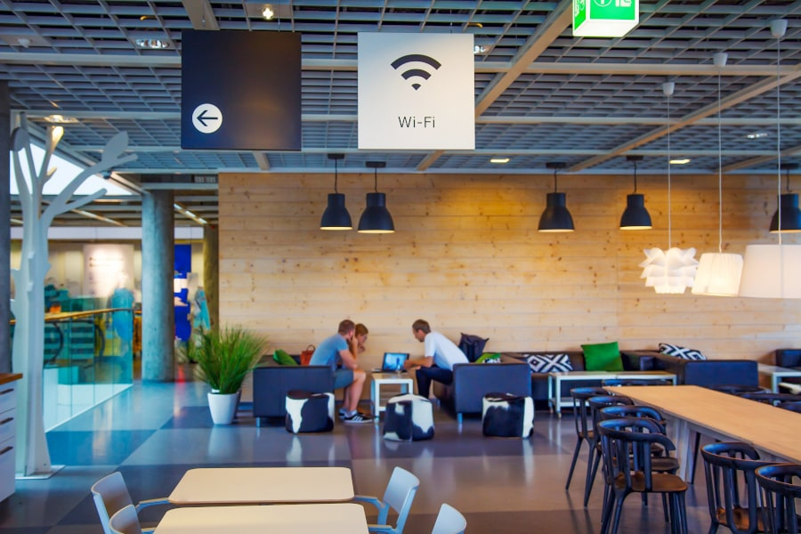 Cafeteria with Wi-Fi